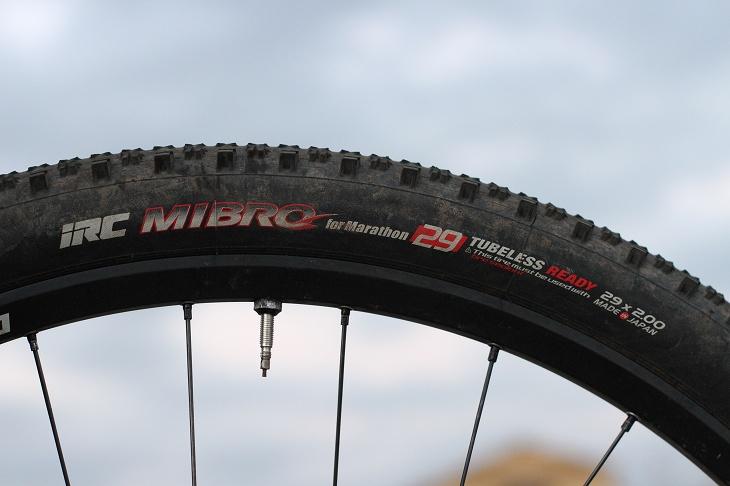 タイヤはIRCのMIBRO 空気圧は2気圧程度だったという