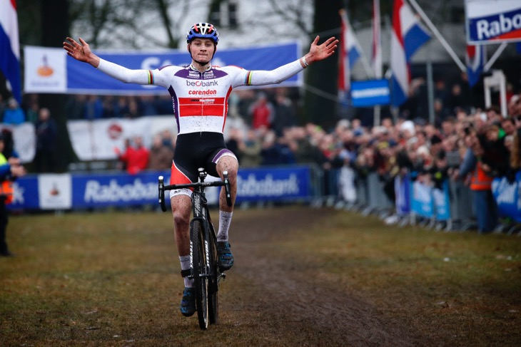 オランダ:マテュー・ファンデルポール(ベオバンク・コレンドン)が勝利