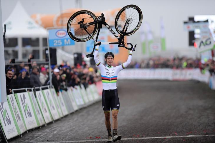 ベルギー:ワウト・ファンアールト(クレラン・シャルル)が圧勝