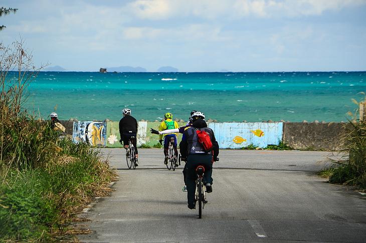 今日も青々と輝く沖縄の海