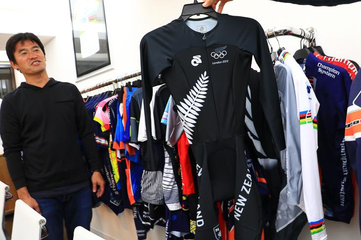 ニュージーランドナショナルチームがロンドン五輪で使用したTT用スピードスーツ