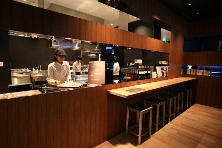 カフェ&ライトミールが提供される