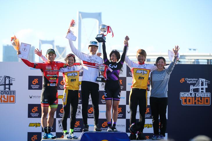 JCX年間シリーズランキング表彰台: photo:Kei Tsuji / www.cyclocrosstokyo.com