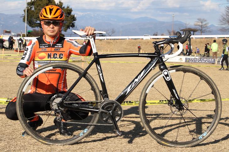 穴井和弘さん(NCCニホンダイラサイクリングクラブ)のTNI MUD GORILLA