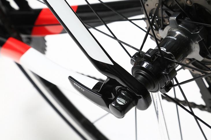 剛性を強化するループエンド形状により後輪の舵角変化を抑えた
