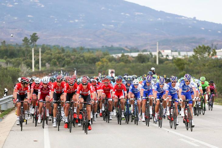 ロット・ソウダルやエフデジ、クイックステップフロアーズらスプリンターを擁するチームが集団の速度を引き上げる