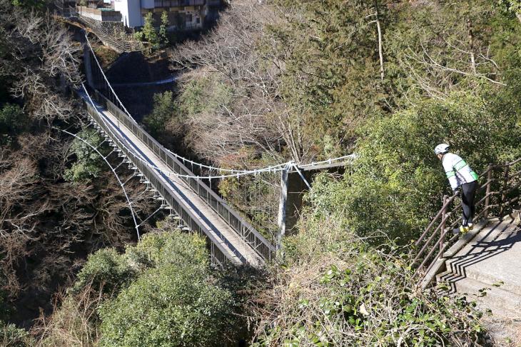 """映画にも使われた""""もえぎ橋""""。紅葉シーズンには素晴らしい景色が楽しまます"""