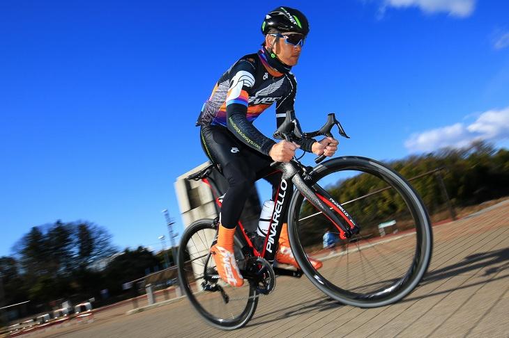 「高い快適性と空力性能を両立。完成度の高いオールラウンドなレーシングバイク」西谷雅史(サイクルポイント オーベスト)