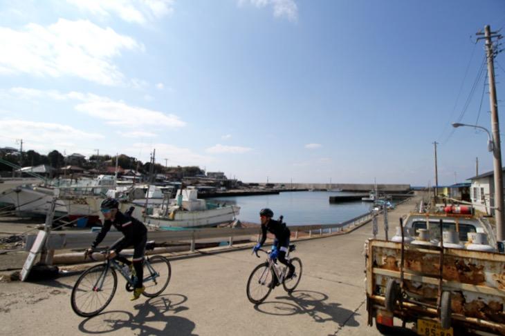小さな漁港が多くあり、ここに住む人々の生活の核となっている