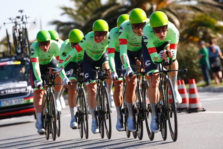 ディスクブレーキ搭載バイクでティレーノ〜アドリアティコ第1ステージを走るキャノンデール・ドラパック
