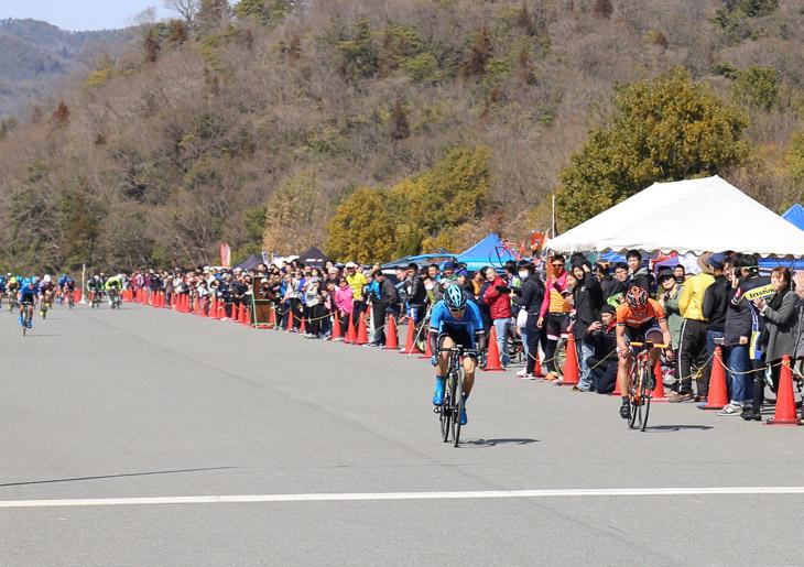 西日本チャレンジロードレースにて4位に入賞した谷順成
