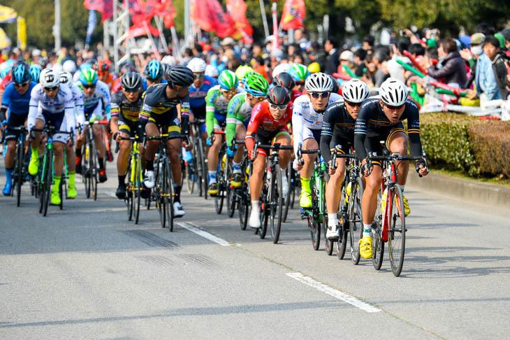 最終周回、東京ヴェントス、キナンサイクリングチーム、那須ブラーゼンなども前に出てくる