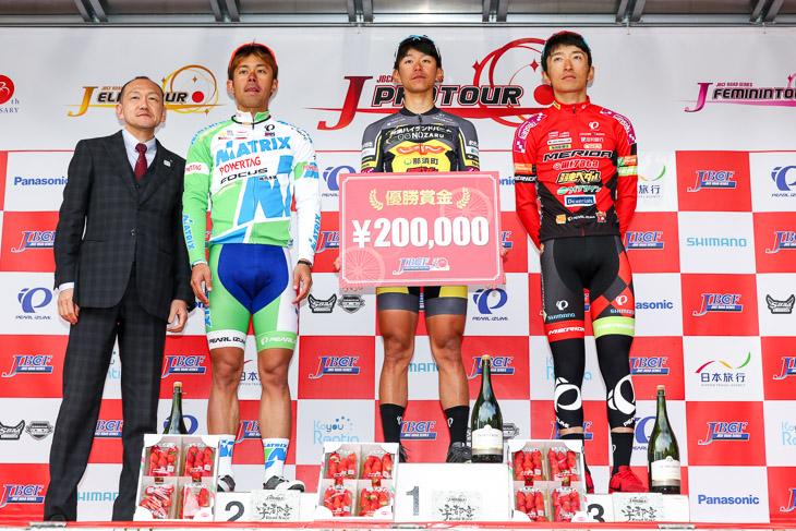 ロードレース初優勝の吉岡直哉(那須ブラーゼン)。チームもJプロツアー初勝利