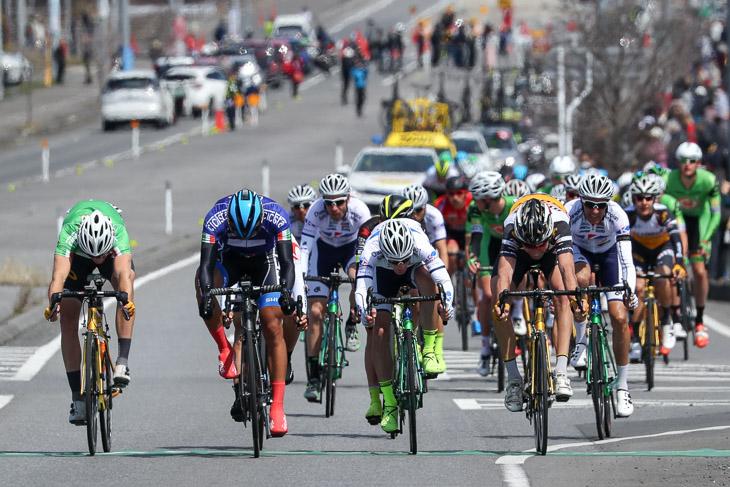 2つめのHSはマラルエルデネ・バトムンフ(トレンガヌ・サイクリングチーム)が先着