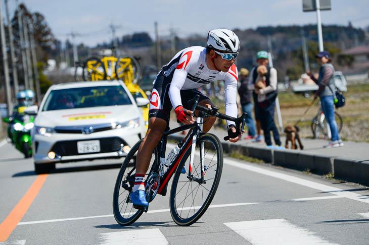 レース後半を53㎞に渡って逃げ続けた石橋学(ブリヂストンアンカー・サイクリングチーム)
