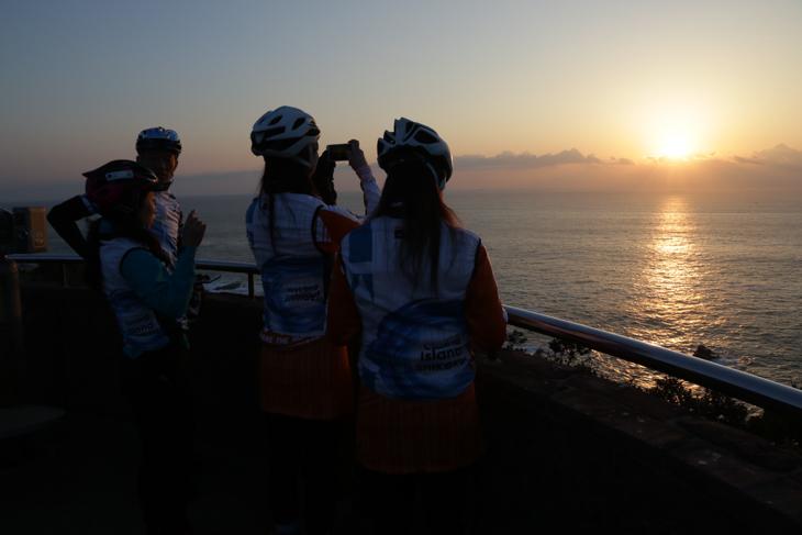 足摺岬からみる太平洋に上る日の出は感動的だった