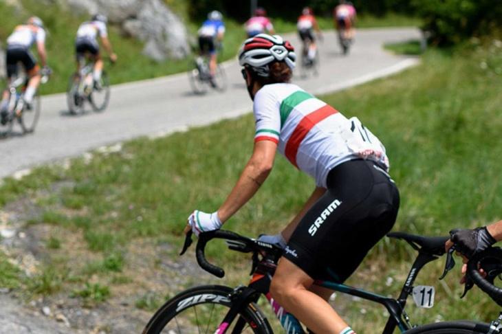 UCI女子チーム「キャニオン・スラム」も使用するSouplesse Bib Shorts II