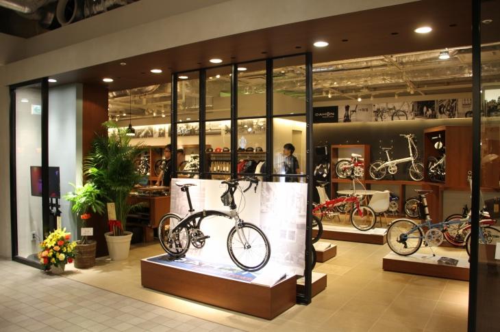 国内初のダホンとターンのフォールディングバイクの専門店「ベストスポーツ 新宿マルイ本館店」がオープン