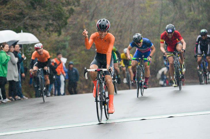 A-J2組 登りで仕掛けた香山飛龍(横浜高校)が優勝