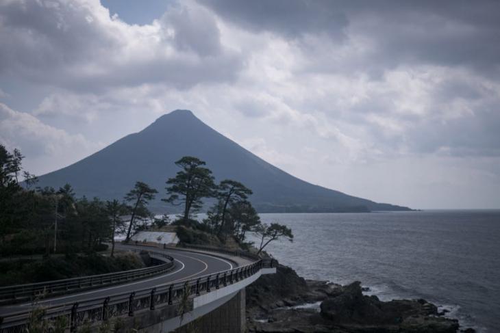 3月26日(日)鹿児島県池田湖 堂々たる開聞岳