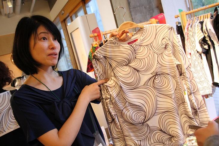 テリーの新作ロングTシャツはライド時も涼しく楽なんだとか。実際に女性スタッフの使用感がフィードバックされているのは心強い