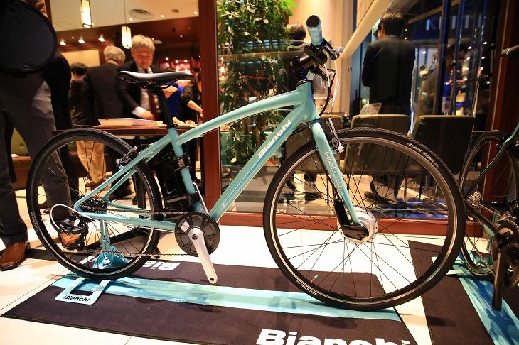 Eバイク「CAMALEONTE-E」も発表