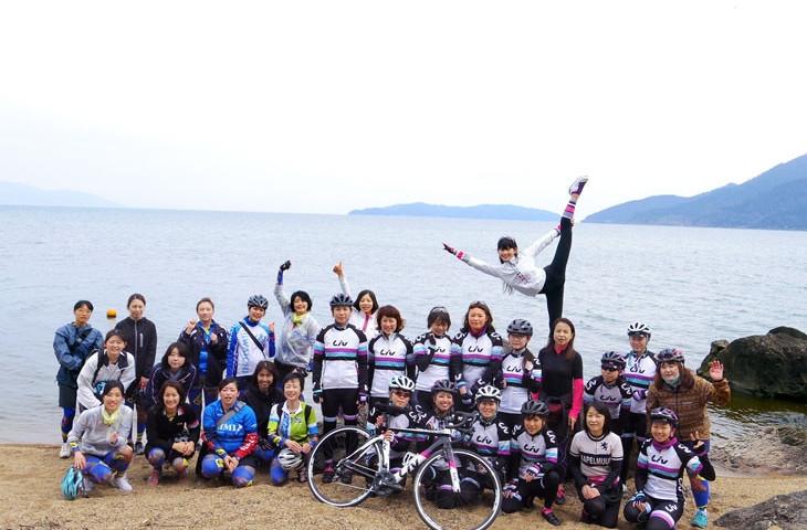 美しい琵琶湖の水際にて