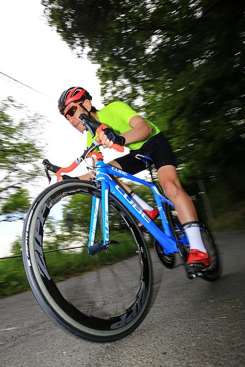 「短時間でトップスピードに乗せられる高い空力性能」杉山友則(Bicicletta IL CUORE)
