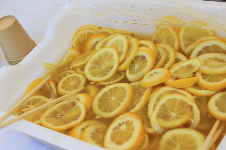 はちみつレモンでビタミンを補給だ