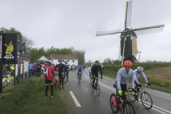 オランダといえば風車の風景