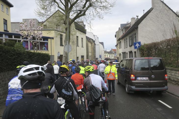 全てのコースが最後に合流するカウベルグ前は大渋滞。