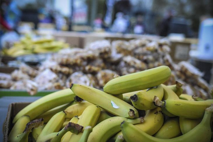 エイドの定番、バナナとワッフル