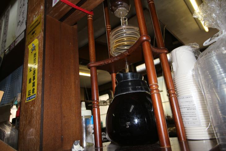 定峰峠小屋名物の水出しコーヒー