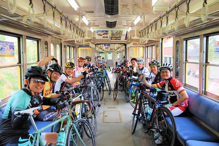 仮入部!KINAN Cycling Team~マイバイクで周るTOJ 70km~」では、サイクルト レインとしても知られる三岐鉄道三岐線に乗車した
