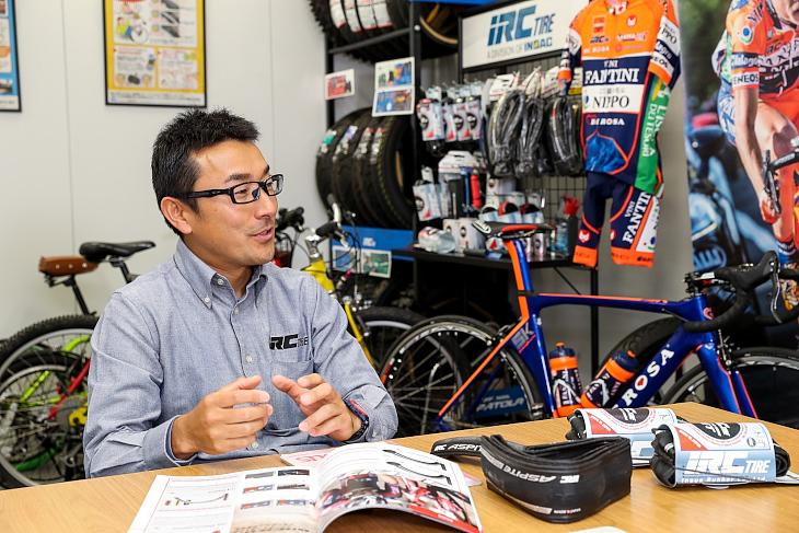 「200gの軽量性を持ちつつパンクしないタイヤを目指しました」