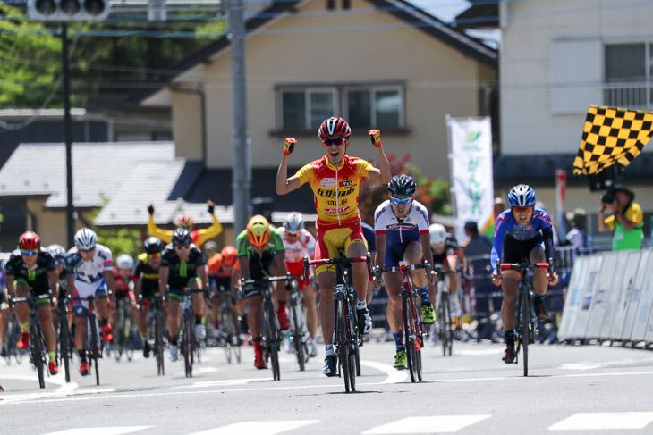 E2優勝は松井建太(エルドラード・エスペランサ)