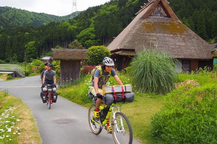 ブラックバーンの特別企画OUT THERE NIPPON。今回は京都美山をキャンプツーリングした様子をレポートする