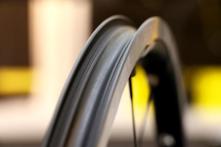 精密に設計されたリム。マヴィックが誇るハイレベルな製造技術が製品化に結びつけた