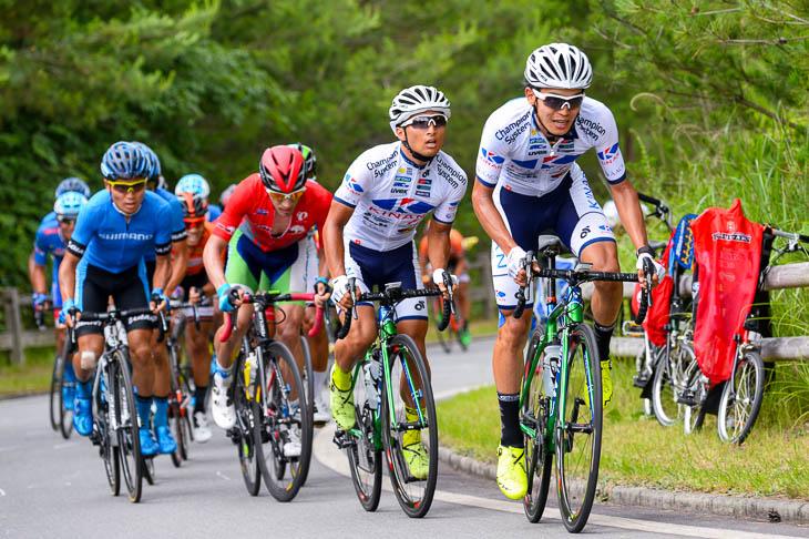 6周目 登り区間でキナンサイクリングチーム勢がペースアップ