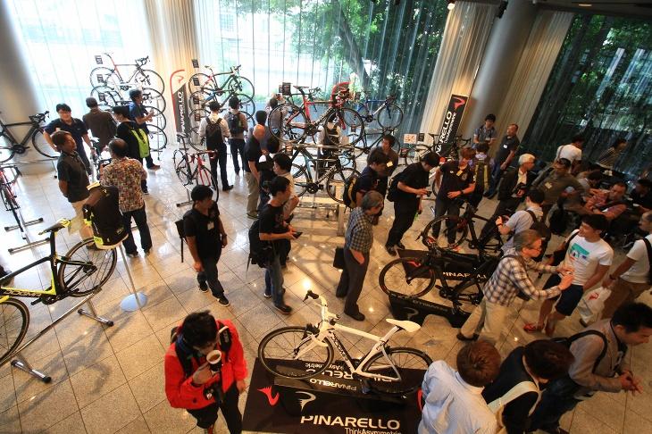 多くの関係者が来場したピナレロ2018モデル展示会