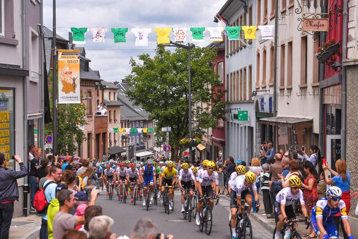 ルクセンブルクの街を駆け抜ける