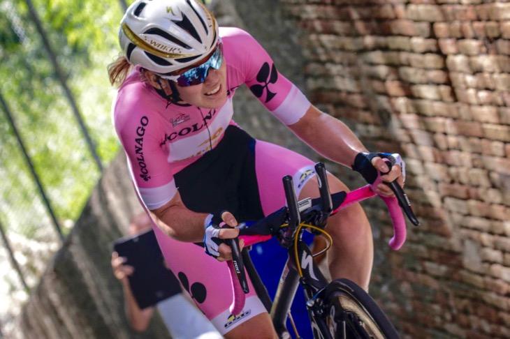 マリアローザのアンナ・ヴァンデルブレゲン(オランダ、ブールス・ドルマンス・プロサイクリング)はステージ2位に入る