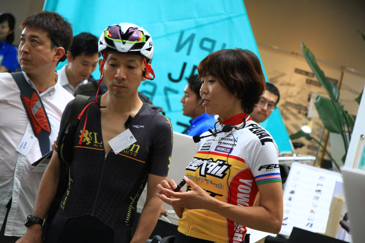 弱虫ペダルサイクリングチームの唐見選手も来場した