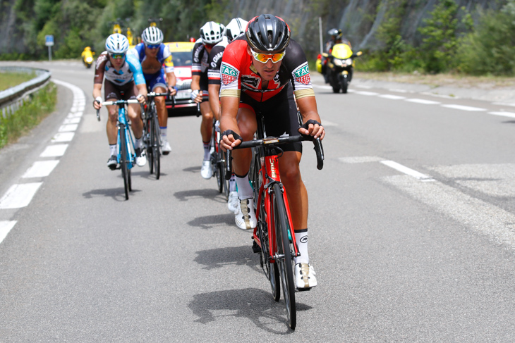 第8ステージで逃げグループを牽引するグレッグ・ヴァンアーヴェルマート(ベルギー、BMCレーシング)