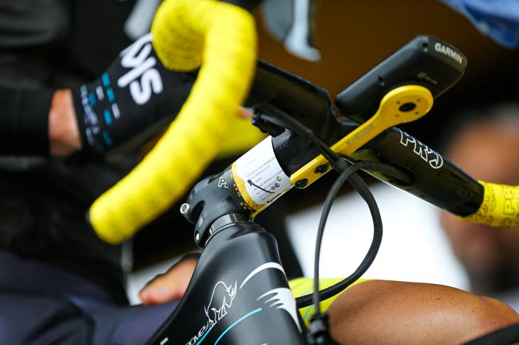 クリストファー・フルーム(イギリス、チームスカイ)のバイクに取り付けられた高低図