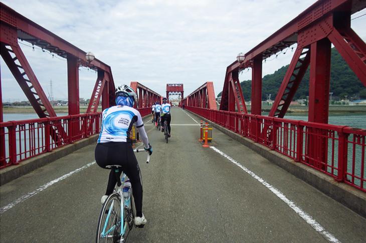 昭和10年製、現在も可動する美しい長浜大橋