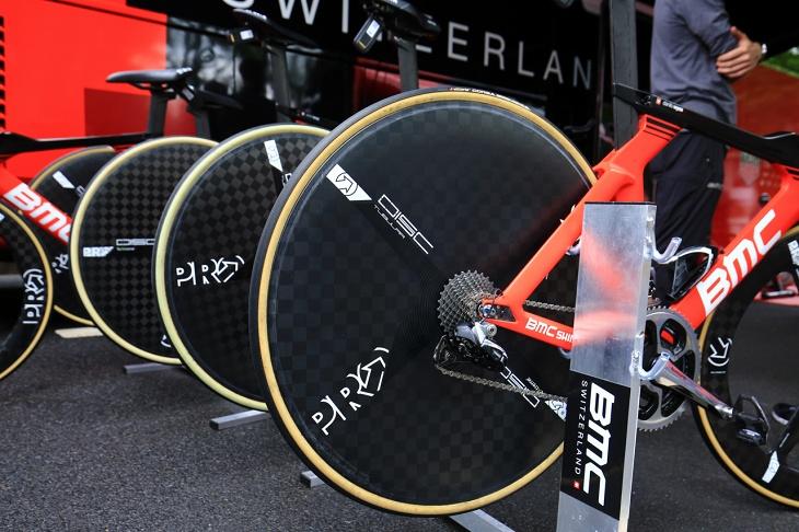 PROのディスクホイール「TeXtream Carbon Disc」はシマノサポートチームのスタンダード