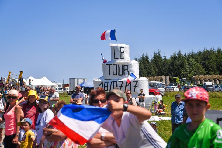 ツール・ド・フランスを暖かく迎える
