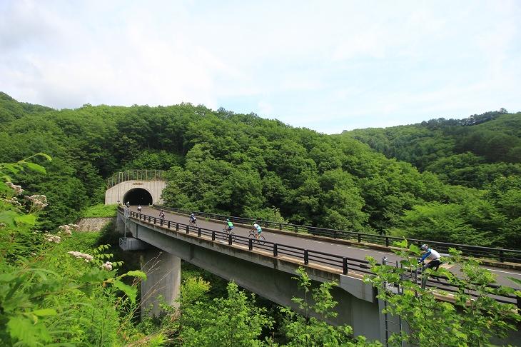 ピークの橋はかなり絶景