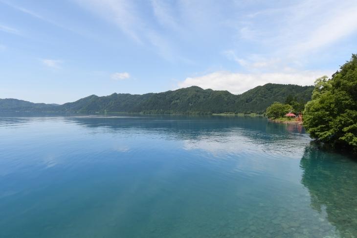 実は日本で最も水深の深い湖、田沢湖